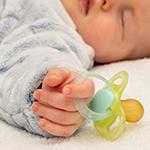 Μωρό και πιπίλα: Πώς να την κόψω;