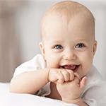 Πώς το γέλιο βοηθάει την ανάπτυξη του μωρού